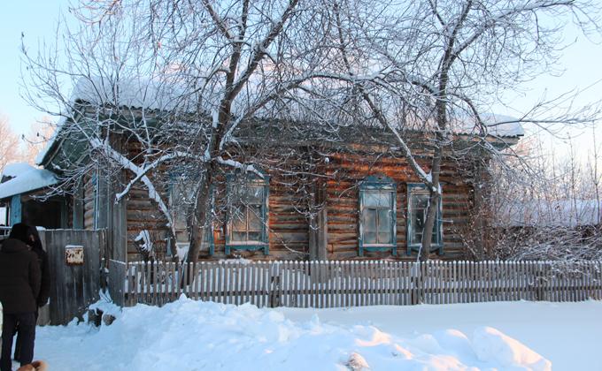 Глава семьи Мартенс прогревал новый дом несколько дней. Фото Александра Крытцева