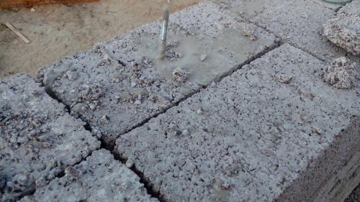 Заполнение вертикальных швов кладки