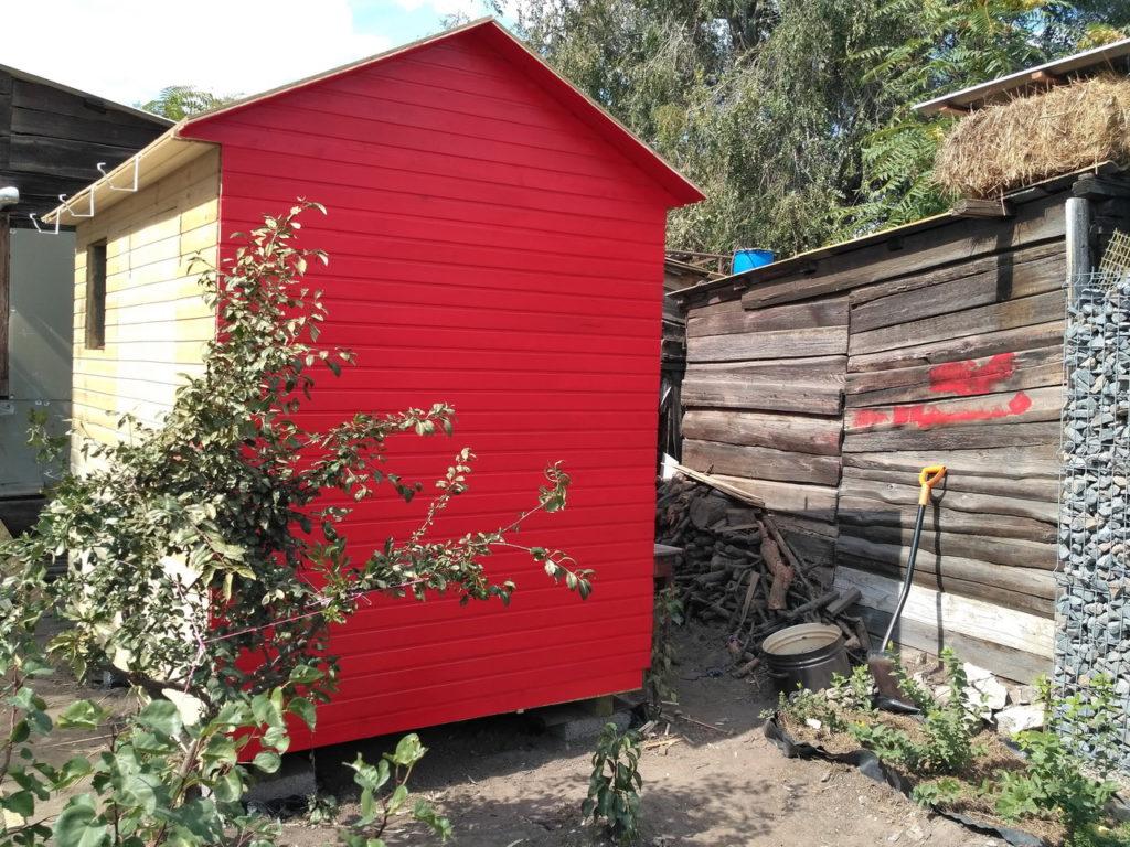 Красный сарай, цвет RAL 3020, первая проба