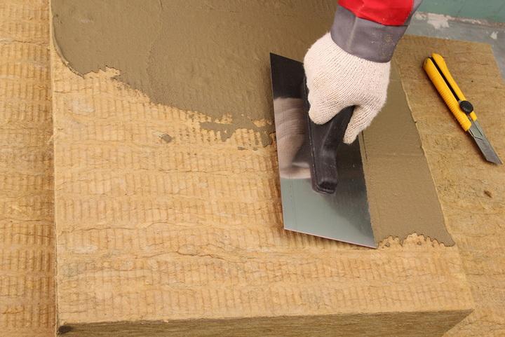 Грунтование поверхности минераловатной плиты клеем Ceresit СТ 180, Ceresit CT 190