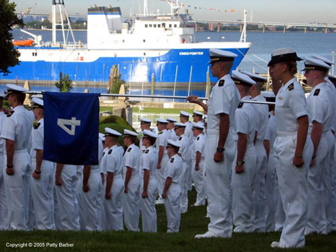Фото построения в U.S. Merchant Marine Academy
